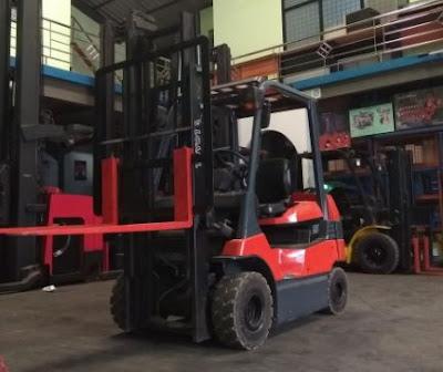Xe nâng điện 2 tấn Toyota Nhật Bản 0934172768