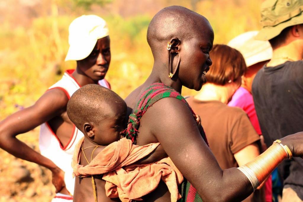 Pietu Etiopijos gentys.