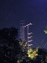 144 MHz & 50 MHz towers @ night