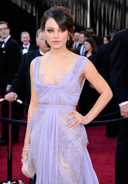 mila kunis 2011 oscar lavender red carpet dress celebrity