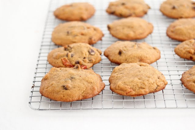 photo of persimmons cookies on a baking rack