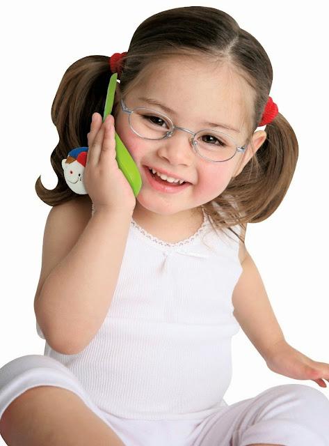 Điện thoại cho bé Wayne KA10516-GB là món quà lý thú