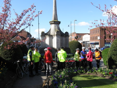 13 cyclists at St Albans