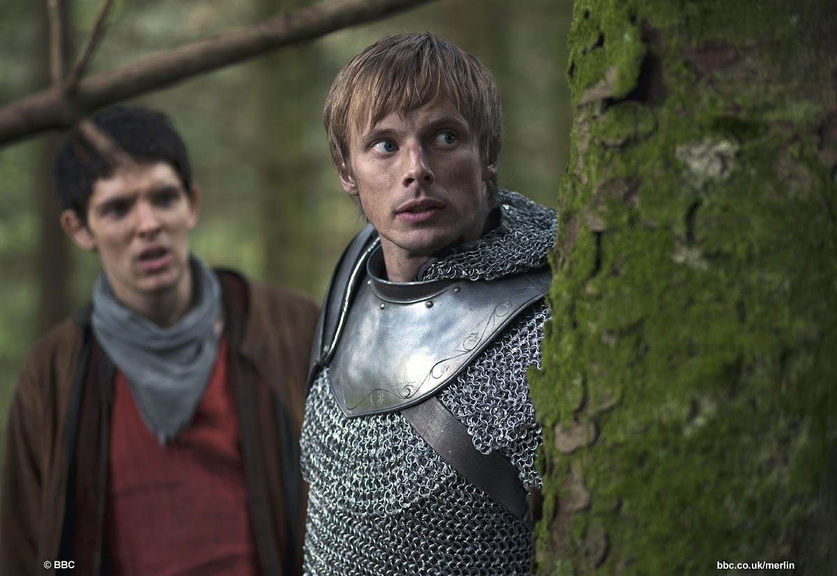 "BBC Merlin: ""Aithusa"" Bradley James is King Arthur"