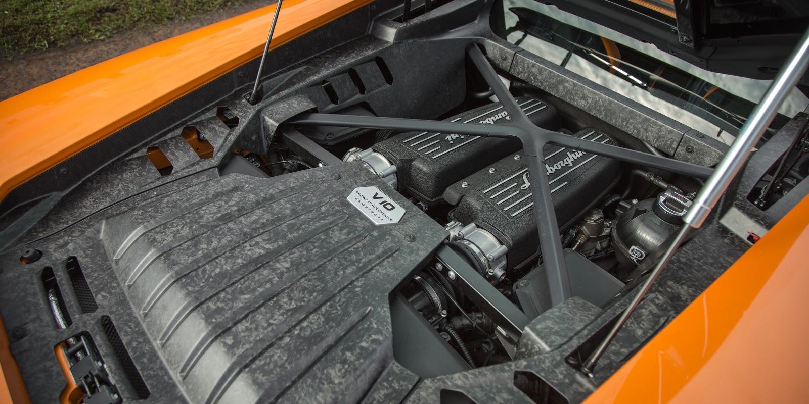 LP 580-2 2016 sở hữu khối động cơ cực mạnh và tăng tốc cực nhanh