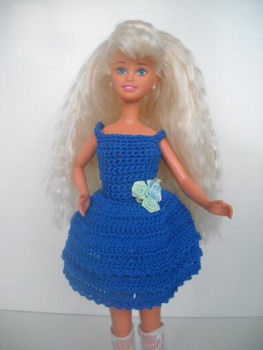 DSCN1802 - فساتين للعروسة باربي من الكروشية طريقة عمل ملابس لعرائس الاطفال بالكروشية