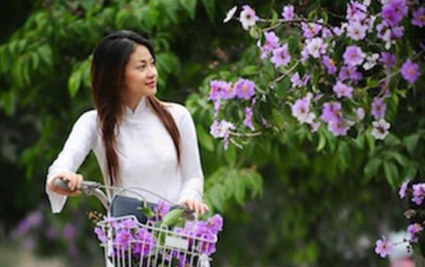 Thơ tháng 4 hoa bằng lăng