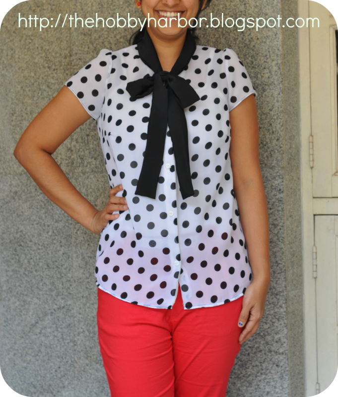 POlka dotted top from ottobre magazine. Contrasting bow tie