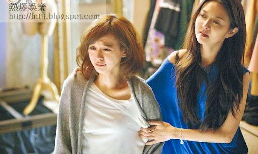 陳意涵(左)與薛凱琪拍鬧交戲時非常投入。