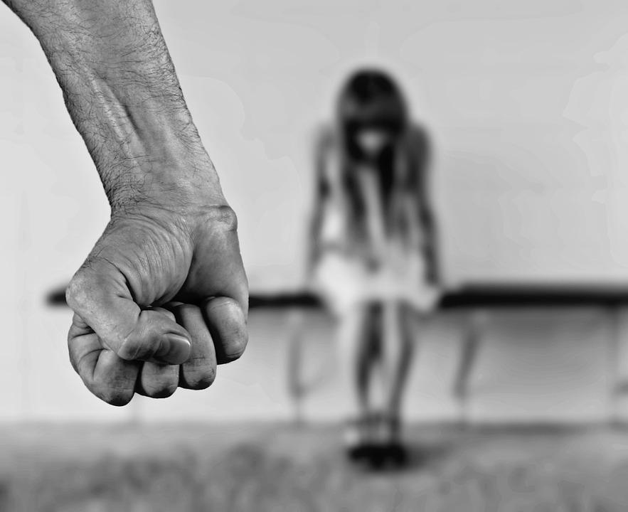 ¡ABUSO DOMÉSTICO! Un vídeo en twitter detallando las etapas del abuso conmueve a todos