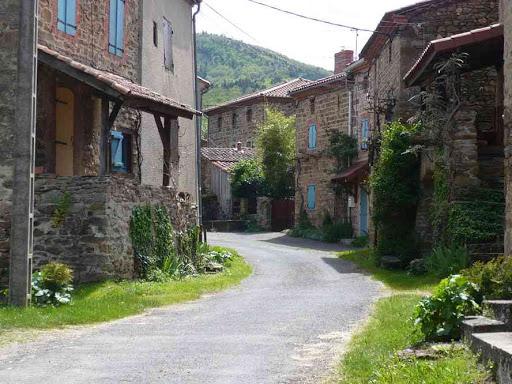Dans le village d'Auzat