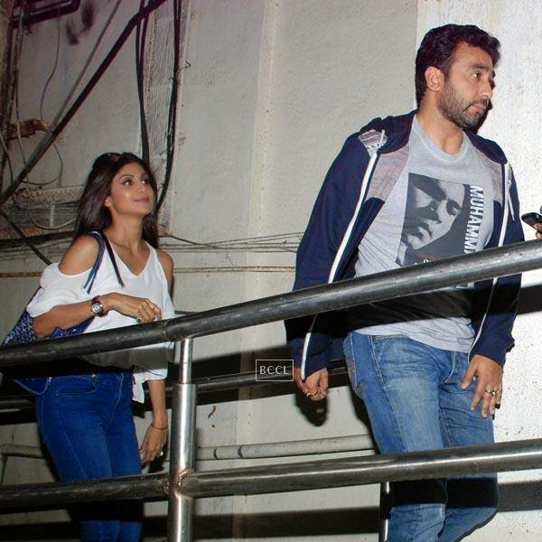 Shilpa Shetty and Raj Kundra snapped at suburban multiplex, in Mumbai, on July 25, 2014. (Pic: Viral Bhayani)