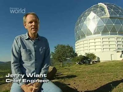 Ближе к концу программы берут интервью у Джерри Вайанта