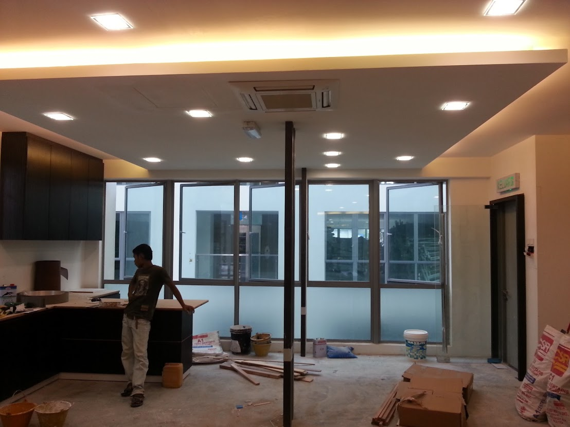 plaster ceiling with light drop