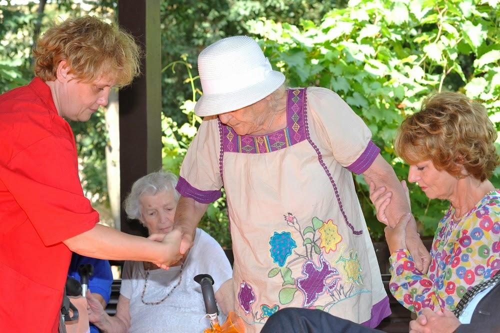 Principesa Moștenitoare Margareta alături de vârstnicii de la Centrul Speranța