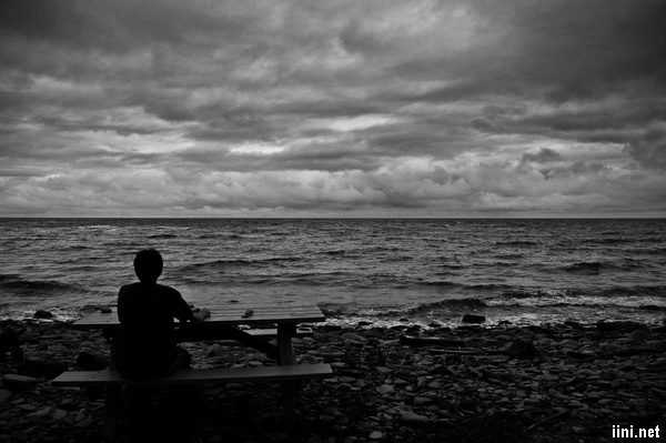 ảnh biển buồn cô đơn