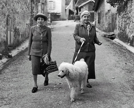 Gertrude Stein and Alice B Toklas and a dog