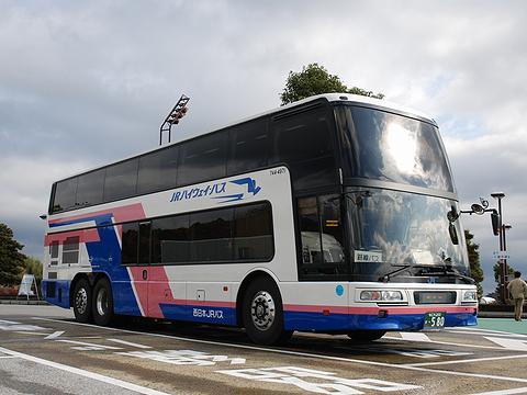 西日本JRバス「東海道昼特急大阪6号」 744-3901 浜名湖サービスエリアにて