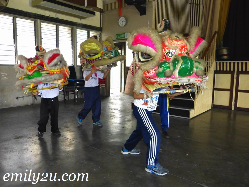 learn lion dance