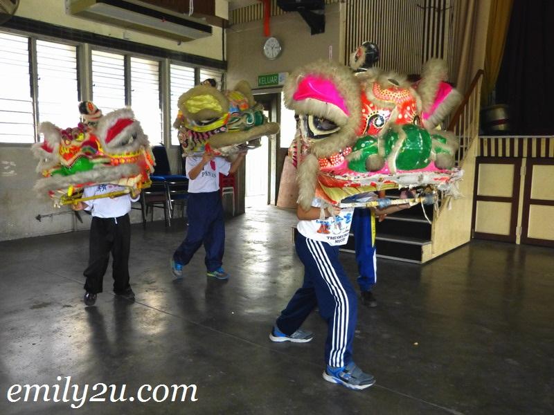 learn lion dance