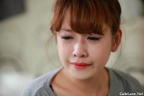 Ảnh cô gái xinh đẹp khóc