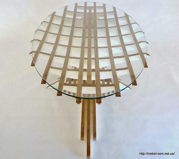 Фанерный стол со стеклянной столешницей