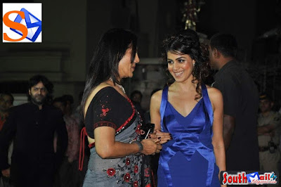 Midnight In India: Cute Actress Genelia Bare Back And Cleavage Show