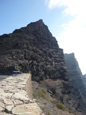 Aussichtspunkt auf der Straße entlang der Westküste Gran Canarias.