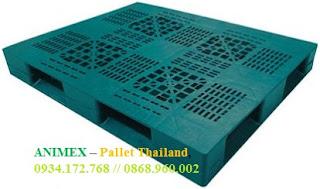 Pallet mặt lưới ô cửa nhập khẩu