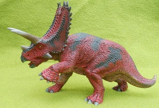 The Non-JP Toy and Model Thread. Mo-hinh-khung-long-schleich-pentaceratops-action-4