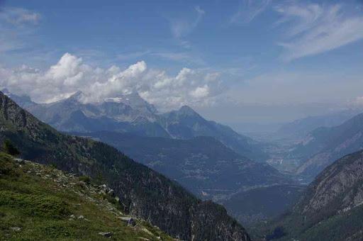 Vue sur la vallée du Rhône et le lac Léman au fond (depuis le télésiège de la Breya)
