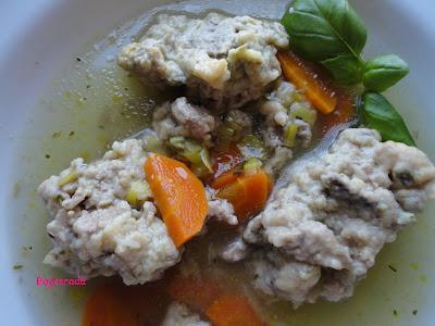 Zupa z kluskami z wątróbki
