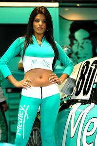 44690d5eb40 Meninas da Equipe Medley enfrentam frio de Curitiba com charme na abertura  da temporada 2011 da Stock Car.