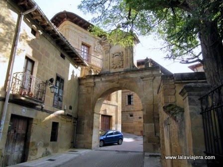 Arco Larrazuría, Labastida, Rioja Alavesa