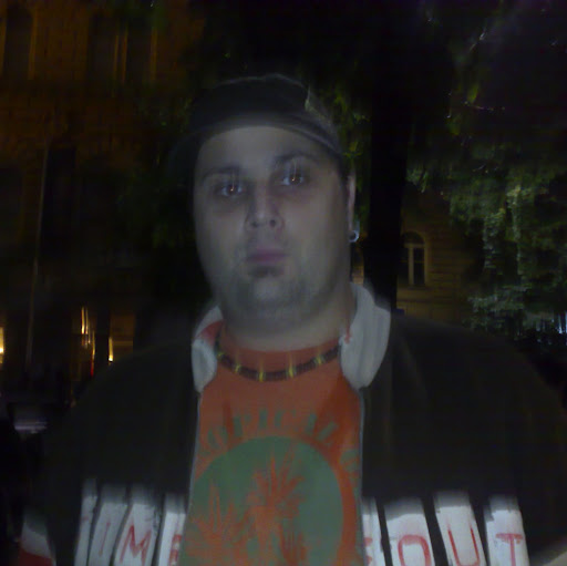 Dusan Lacmanovic Photo 6