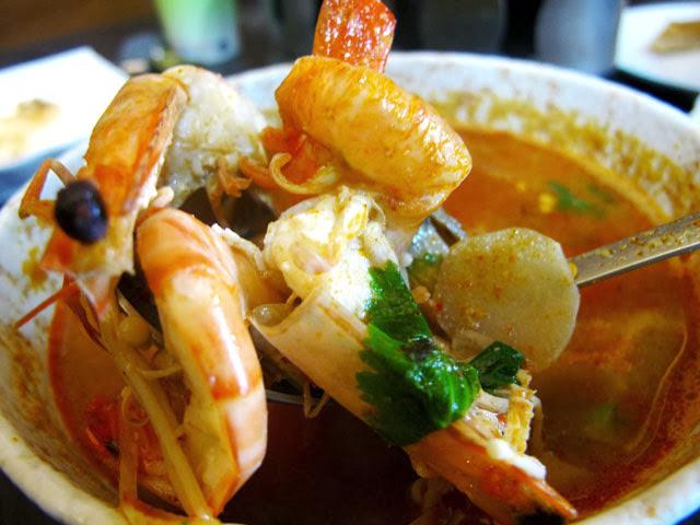 酸辣鮮蝦湯近照-二分之一泰式小館,台中泰式料理餐廳