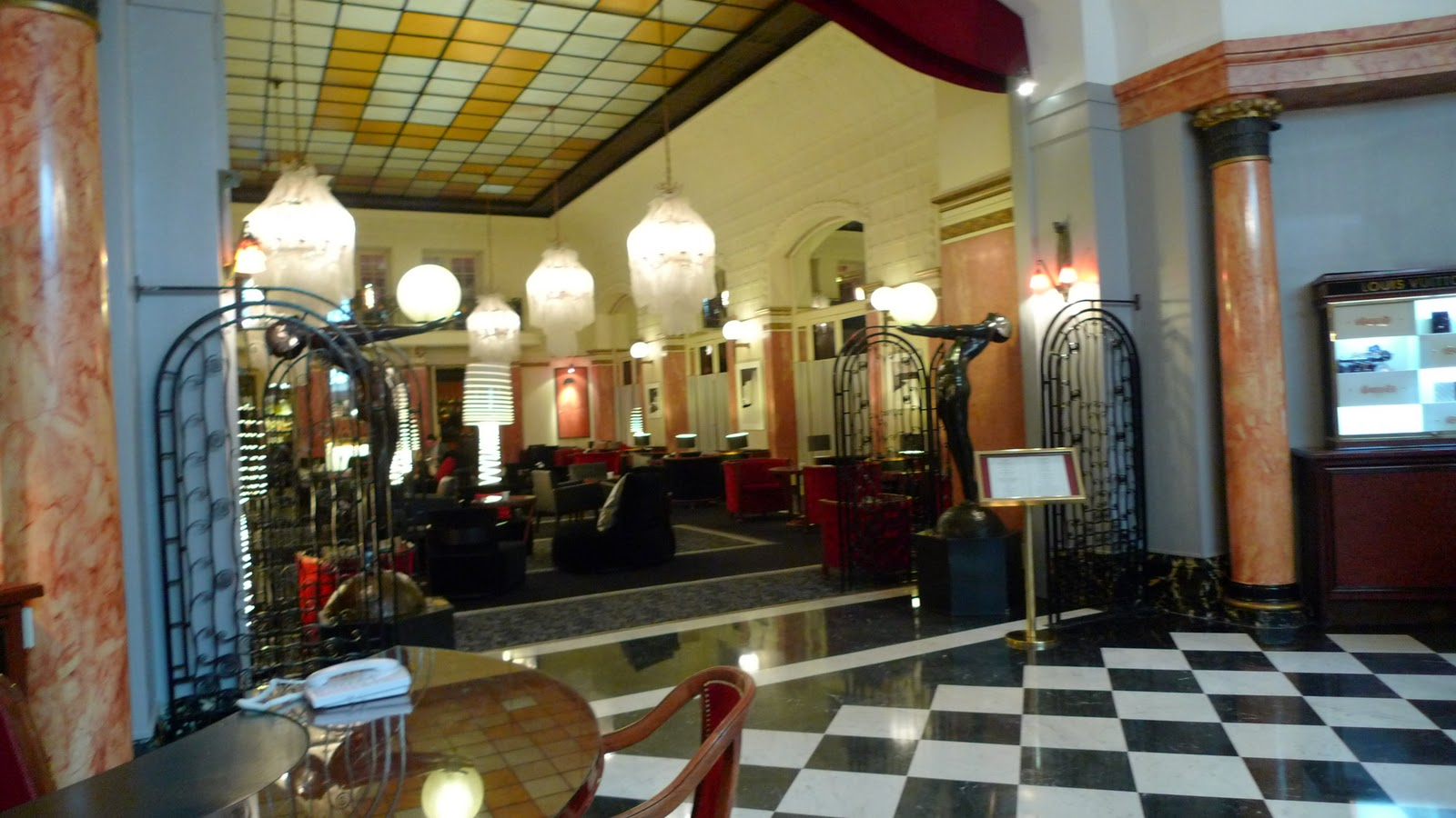 Ms ellaneous in the heart of paris the herm s boutique - Boutique art deco paris ...