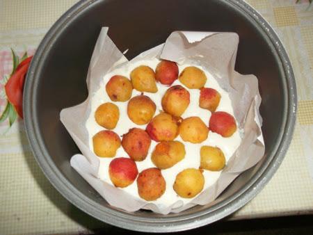 бисквитный пирог с абрикосами в мультиварке