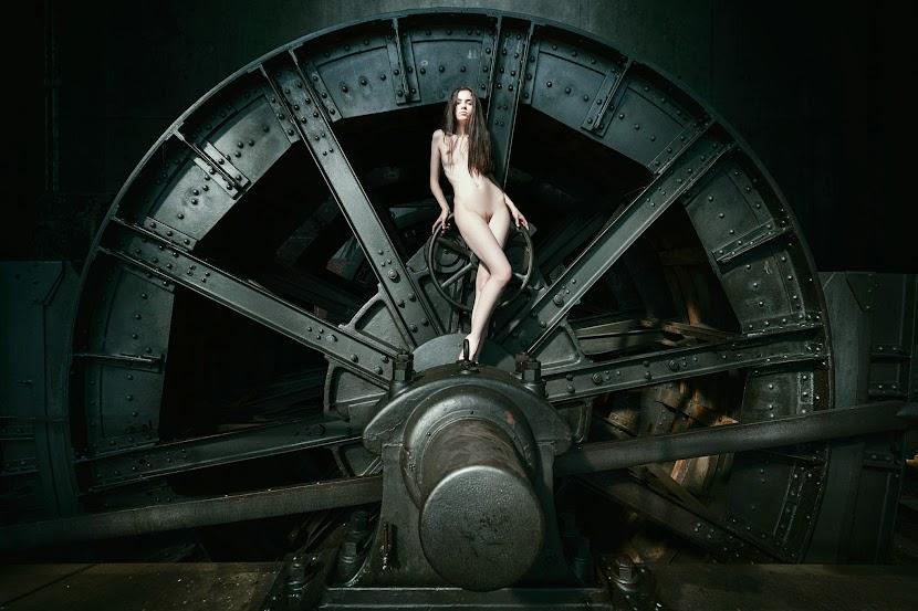 Xem ảnh nude nghệ thuật của Daniel Ilinca