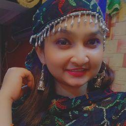 Shaniya Khan Photo 12