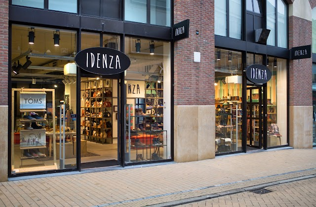 Idenza - Shoes and Stuff