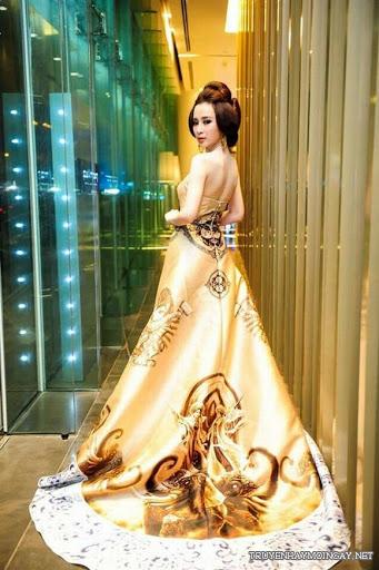 Angela Phương Trinh Quyến Rũ Trong Những Chiếc Váy