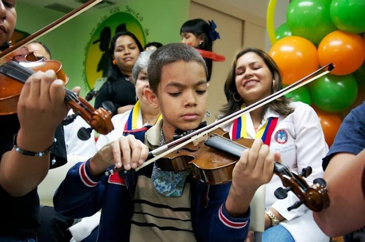 Los niños pertenecientes al programa participaron en un seminario preparatorio para el concierto