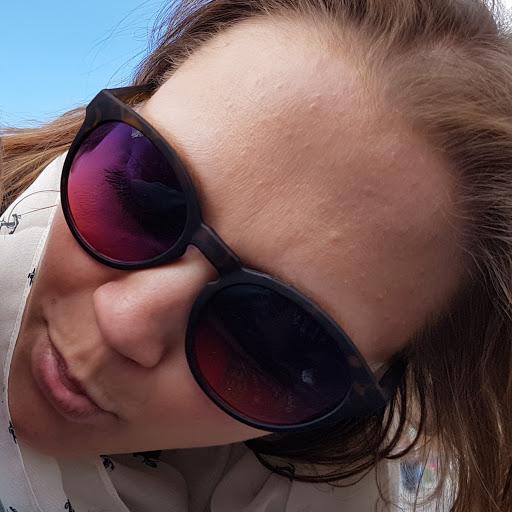 Julia Klein Photo 38