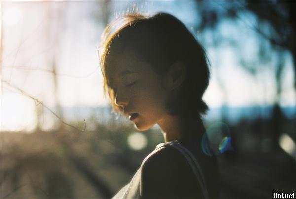1001 bài thơ ngắn hay nói lên nỗi buồn cô gái khi chia tay, thất tình