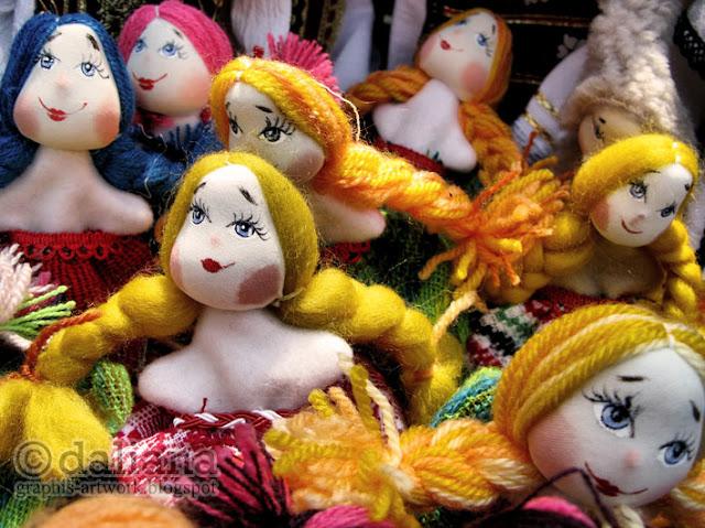 https://lh4.googleusercontent.com/-FCOS4DUKabs/TWzMiAvHLPI/AAAAAAAAEvs/jLpLBJOfBT4/s640/hand-made-dolls.jpg
