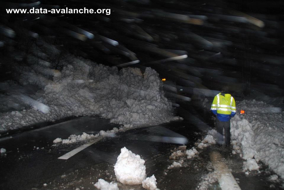 Avalanche Oisans, secteur Cîme de Cornillon, Commune de Livet Gavet - RD 1091 Combe des Torches - Photo 1