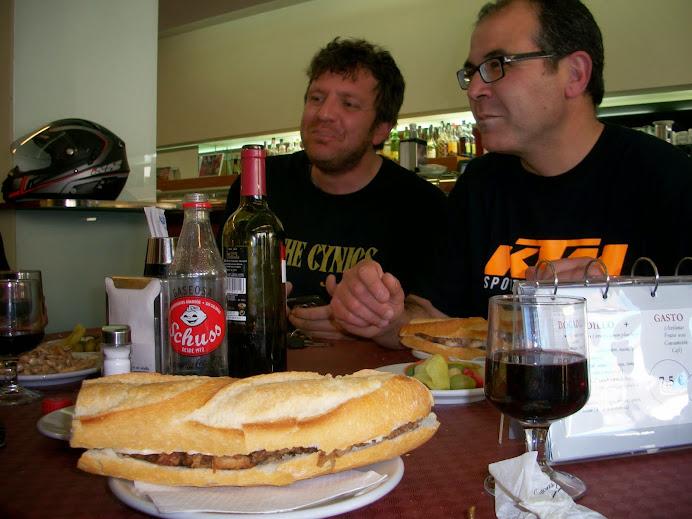 Moto almuerzo en Fontanares (Domingo 20 de Abril) 100_4185