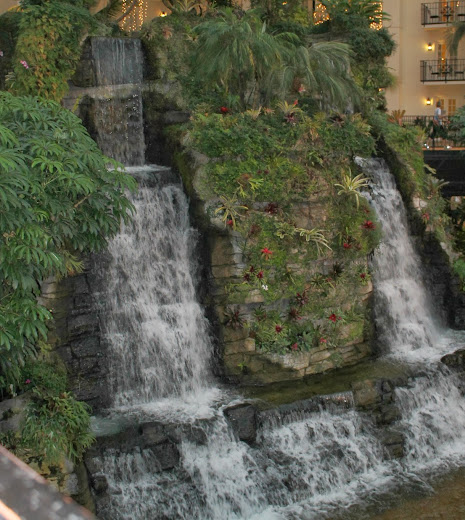 Waterfall in the Cascades Atrium of the Gaylord Opryland