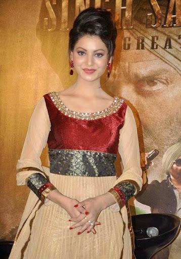 urvashi rautela without makeup face